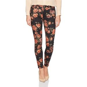 🌸NWT 7 For All Mankind Skinny Jeans Size 26 $199